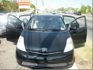 2007 Toyota Prius Base Hatchback 4 - Door 1.  5l photo