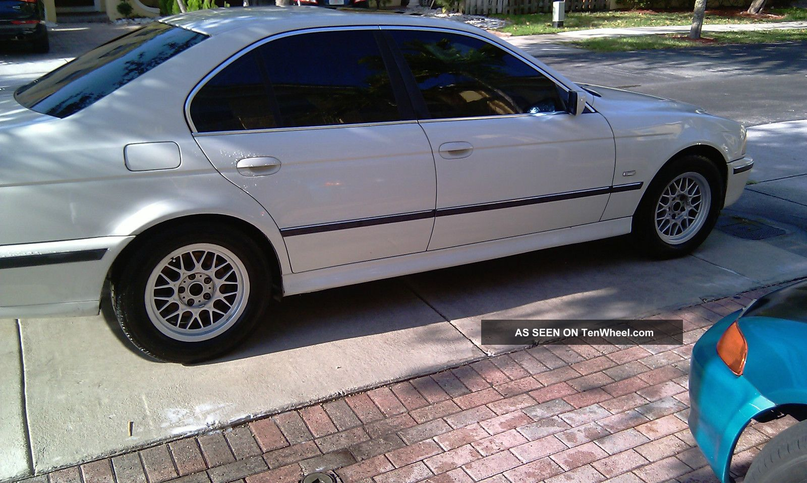 2000 Bmw 528i Base Sedan 4 - Door 2.  8l 5-Series photo
