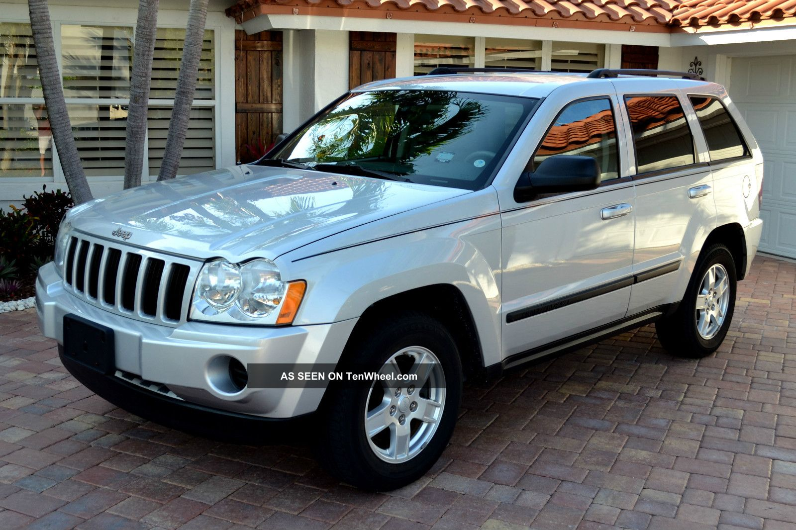 2007 Jeep Grand Cherokee Laredo Sport Utility 4 Door 3 7l Silver Automatic