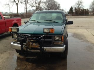 1998 Chevy 2500 4x4 With Plow Mount photo