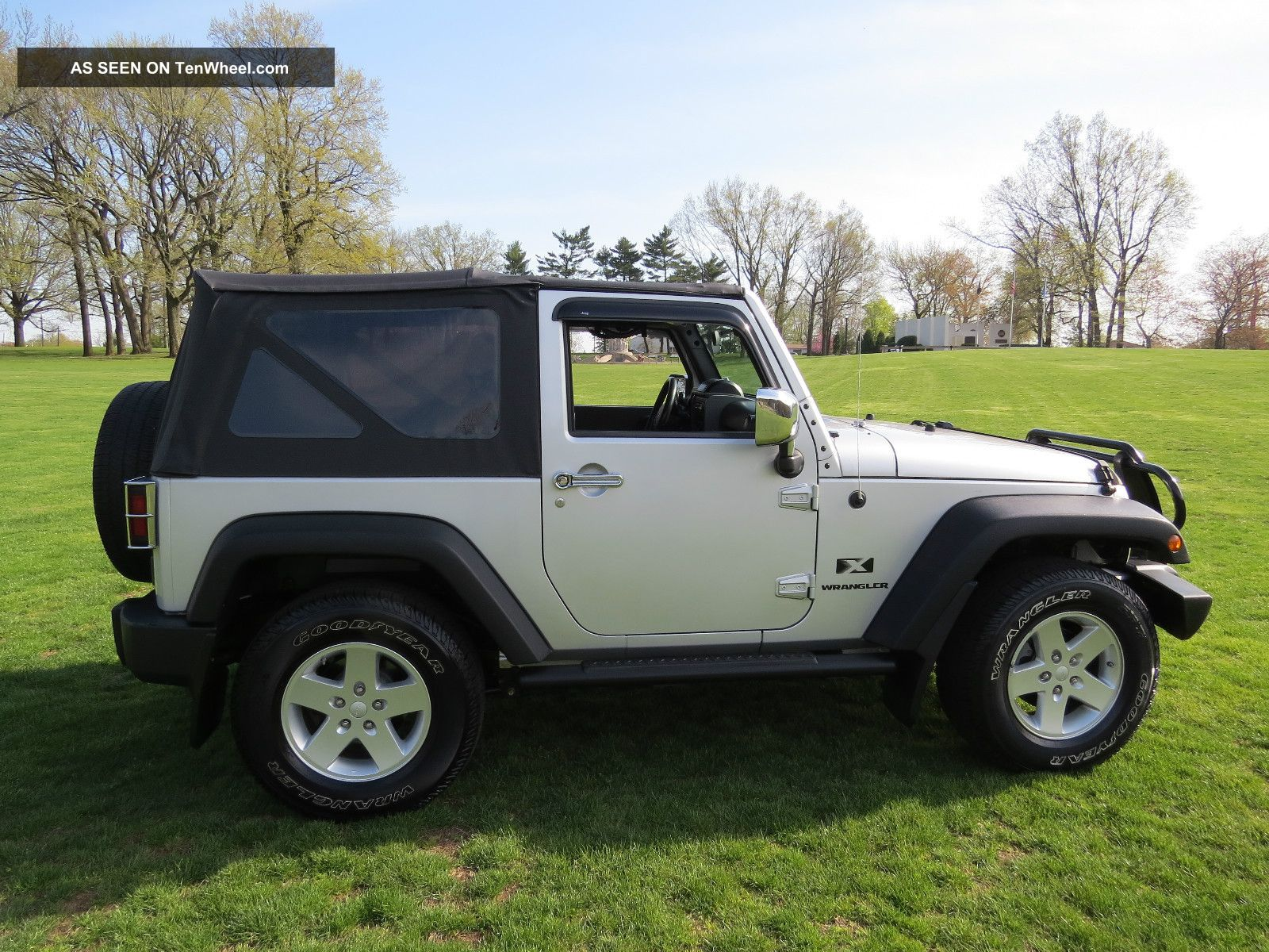 2008 jeep wrangler x sport utility 2 door 3 8l priced to sell. Black Bedroom Furniture Sets. Home Design Ideas