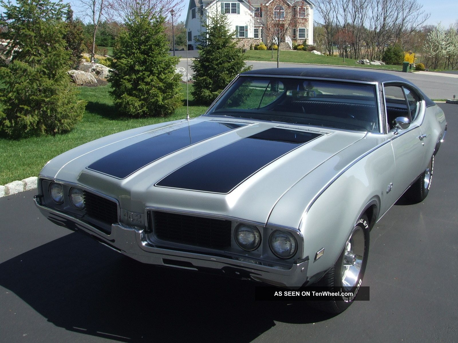 1969 Oldsmobile 442 Numbers Matching Two Tone Silver