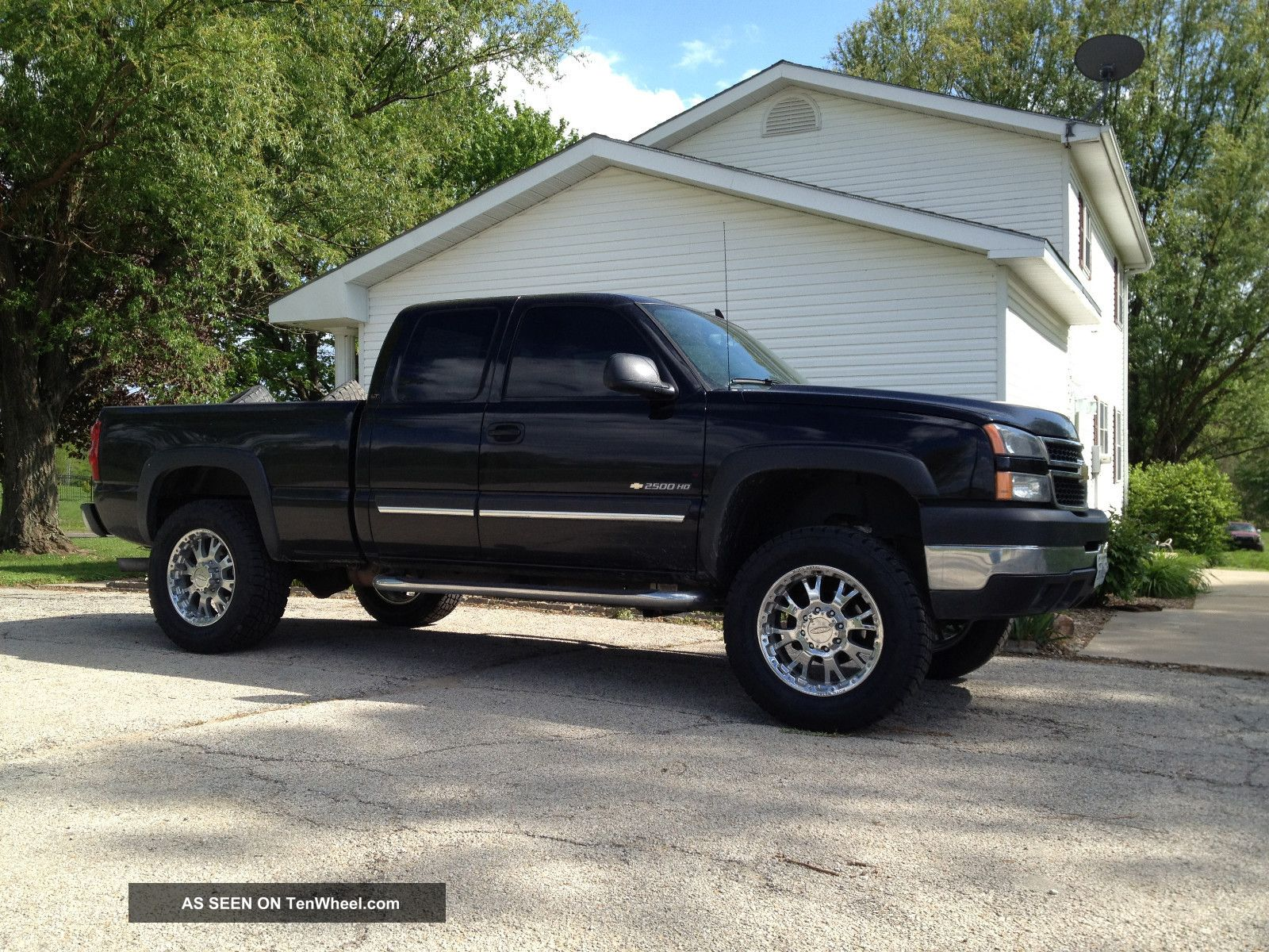 "2006 Chevrolet Silverado 2500 Hd Lt Extended Cab Pickup 6. 0l Lifted 20 ""  Wheels"