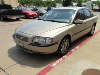 2001 Volvo S80 T6 Sedan 4 - Door 2.  8l photo