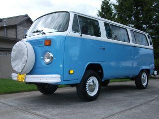 1976 Volkswagen Bus Kombi photo