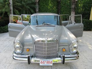 1967 Mercedes Benz 230s photo