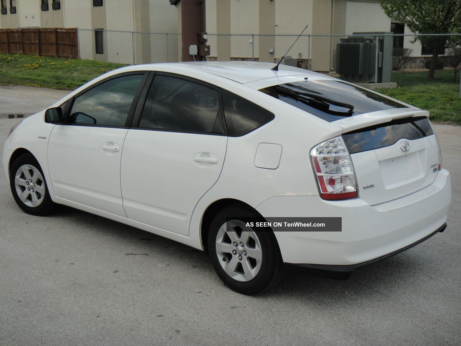 2007 toyota prius hybrid 4 door 50 mpg. Black Bedroom Furniture Sets. Home Design Ideas