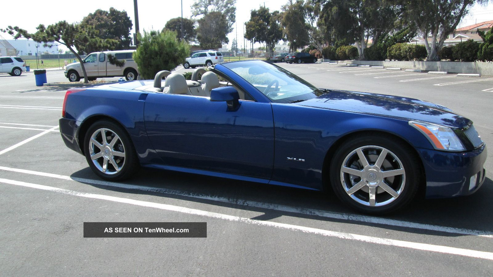 2004 Cadillac Xlr Base Convertible 2 - Door 4. 6l