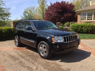 2006 Jeep Grand Cherokee Limited Sport Utility 4 - Door 5.  7l photo