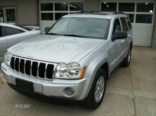 2007 Jeep Grand Cherokee Limited 4x4 Hemi Loaded photo