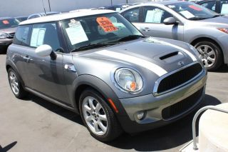 2009 Mini Cooper S Hatchback 2 - Door 1.  6l photo