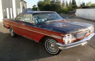 1960 Pontiac Ventura 2 Door Hardtop Cruiser, photo