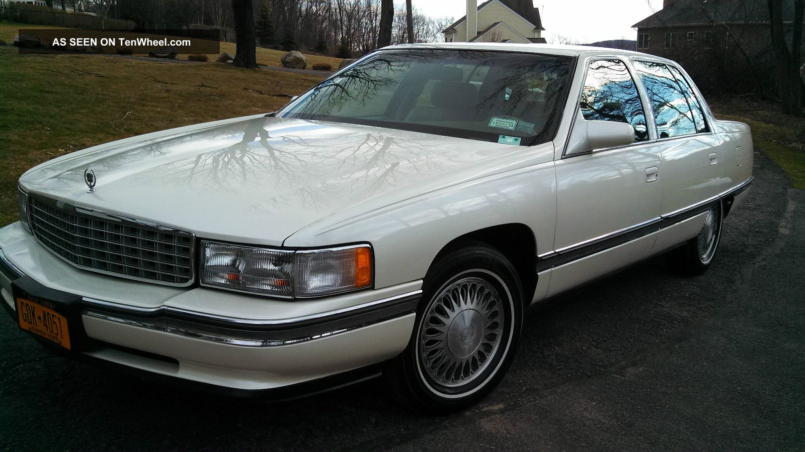 1995 cadillac deville base sedan 4 door 4 9l family owned. Black Bedroom Furniture Sets. Home Design Ideas