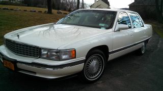 1995 Cadillac Deville Base Sedan 4 - Door 4.  9l,  Family Owned, photo