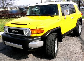2007 Toyota Fj Cruiser Base Sport Utility 4 - Door 4.  0l W / Bbs Rims & Tires photo