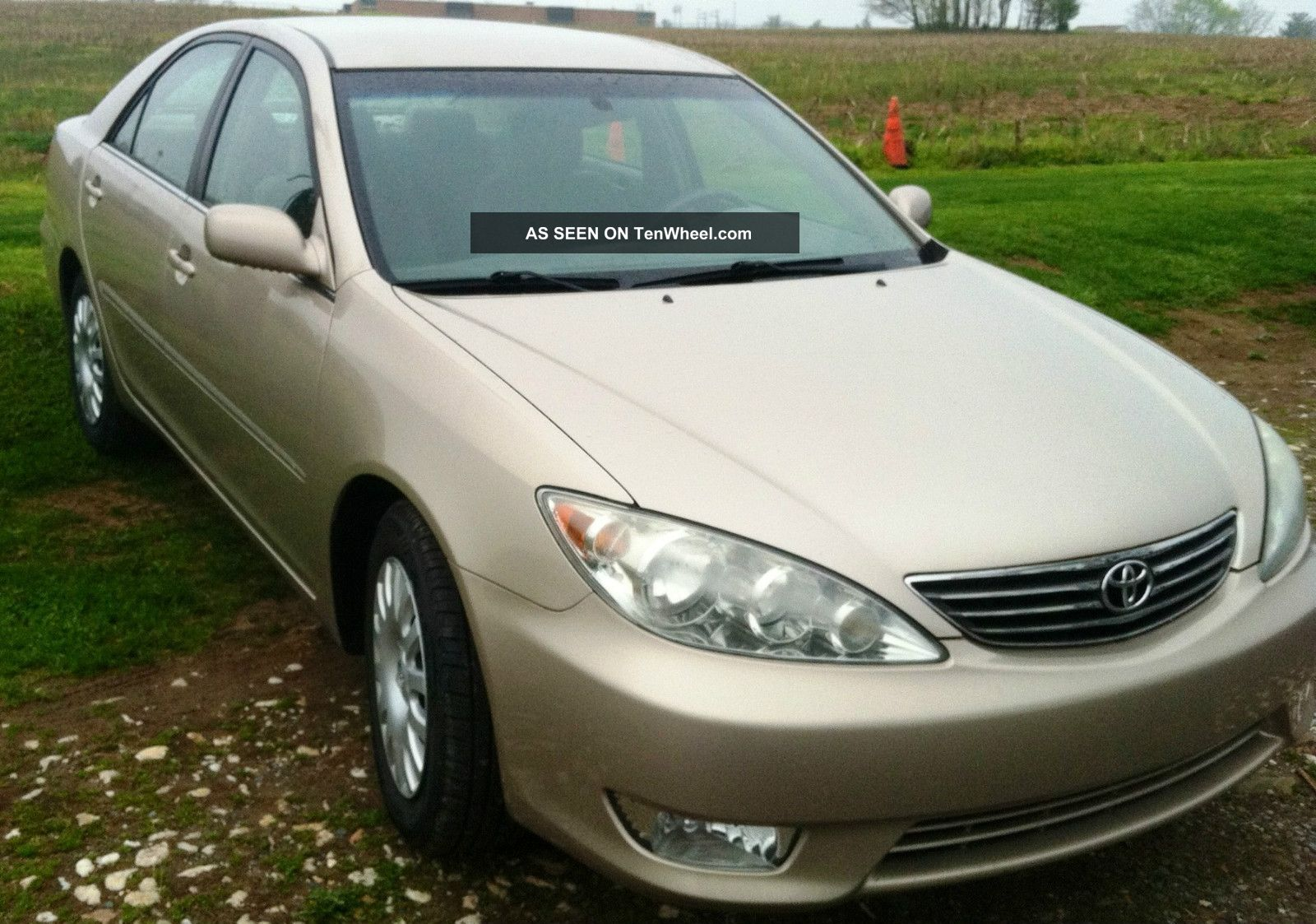 2005 toyota camry xle sedan 4 door 2 4l. Black Bedroom Furniture Sets. Home Design Ideas