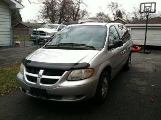 2002 Dodge Grand Caravan Runs Well Needs Just A Little Tlc To Drive It Anywhere photo