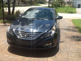 2011 Hyundai Sonata Se Sedan 4 - Door 2.  4l photo