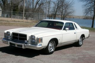 1979 Chrysler Cordoba 300 Hardtop 2 - Door 360 H / D photo