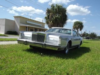 1979 Lincoln Mark V Base Coupe 2 - Door 6.  6l photo