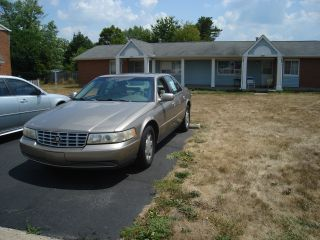 2001 Cadillac Seville Sls Sedan 4 - Door 4.  6l photo