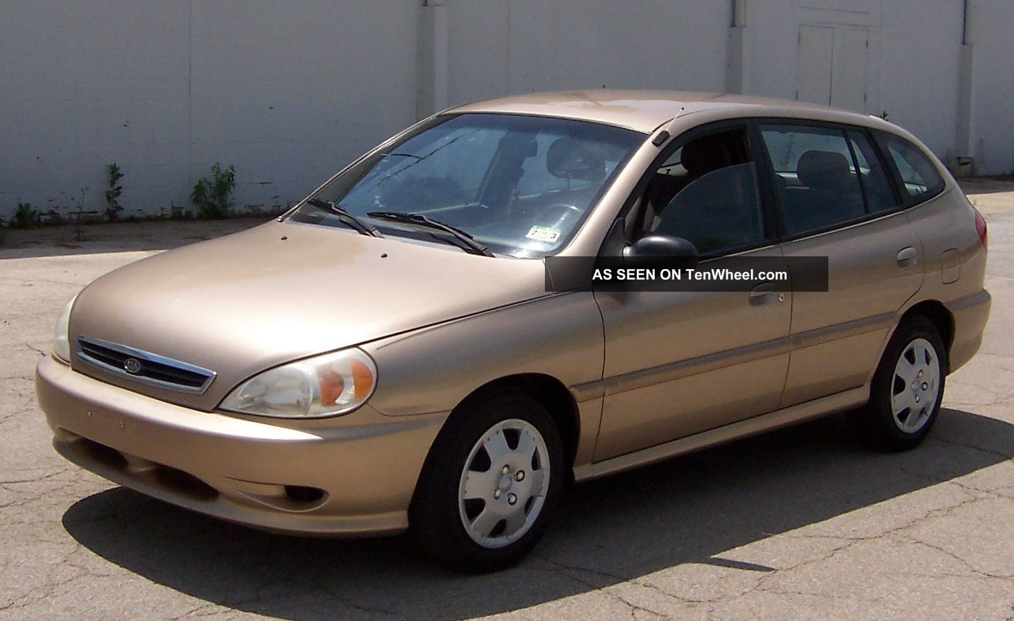 2002 Kia Rio 4 Door Sedan - Great Inexpensive Economical Reliable Transportation Rio photo