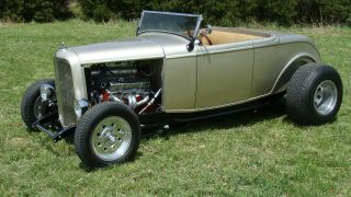 1932 Ford Roadster 400+ Hp photo