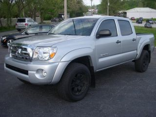 2010 Toyota Tacoma - Crew Cab - 4wd - Auto - Backup Cam - 4x4 - All Power - V6 photo