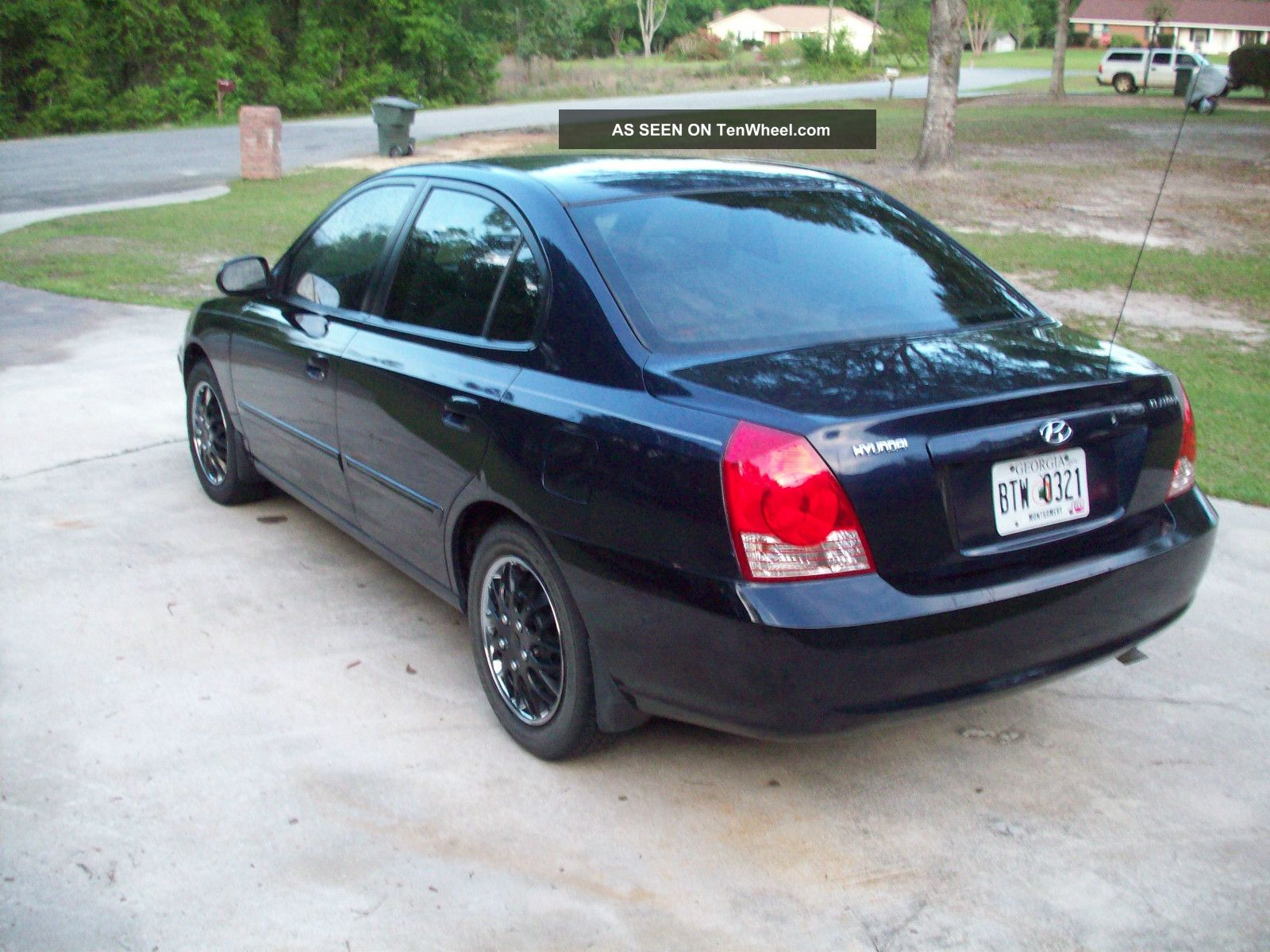 2005 hyundai elantra gls sedan 4 door 2 0l over 30 mpg. Black Bedroom Furniture Sets. Home Design Ideas