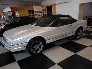 1990 Cadillac Allante Base Convertible 2 - Door 4.  5l photo