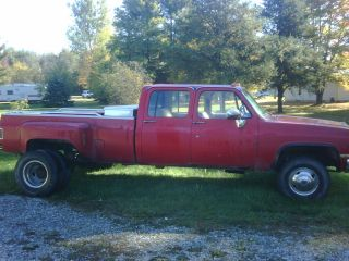 1985 Chevy Crew Cab 4x4 photo