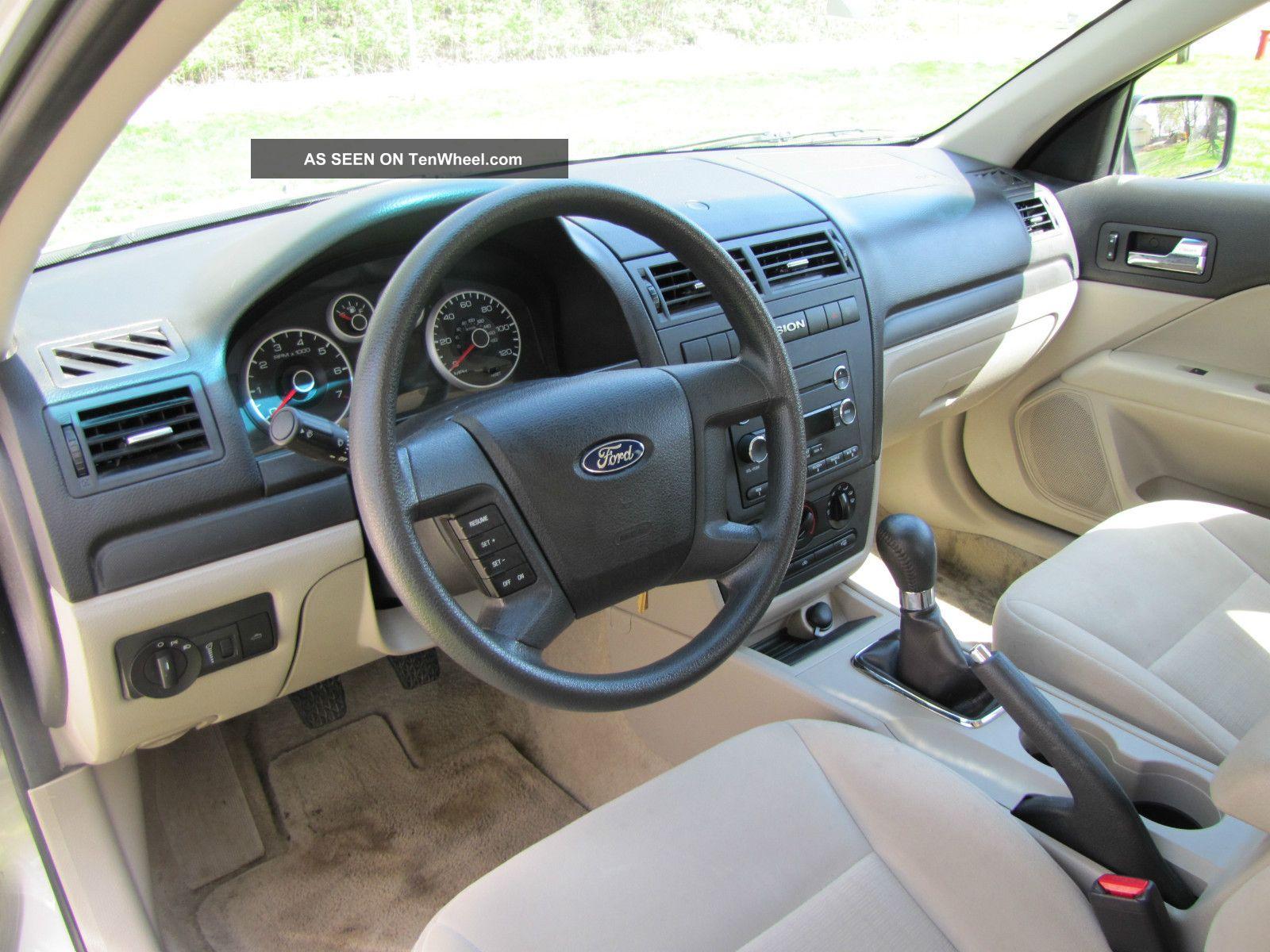 2008 ford fusion s sedan 4