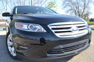 2011 Ford Taurus Sel / / photo