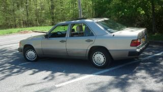 1993 Mercedes Benz 300d 2.  5l 5 - Cylinder Diesel No Rust photo