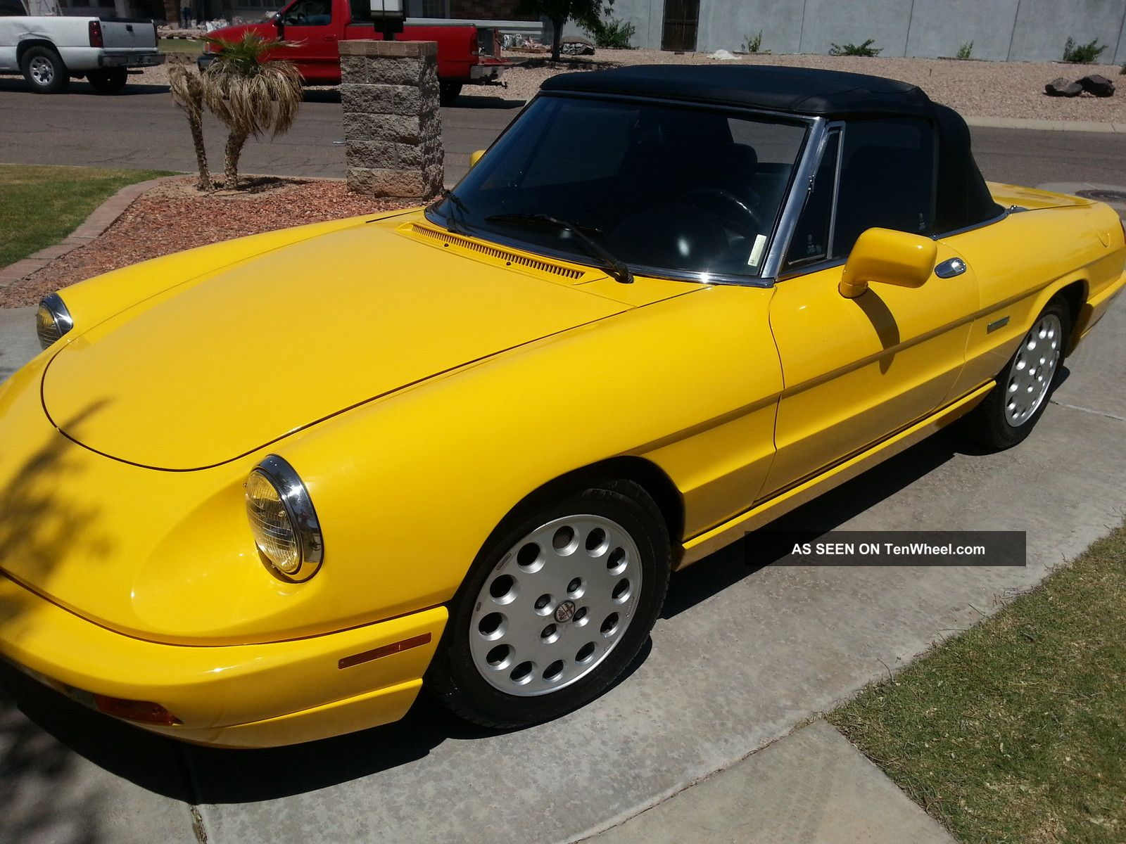 1993 alfa romeo spider veloce convertible 2 door 2 0lyellow anniversary edition. Black Bedroom Furniture Sets. Home Design Ideas