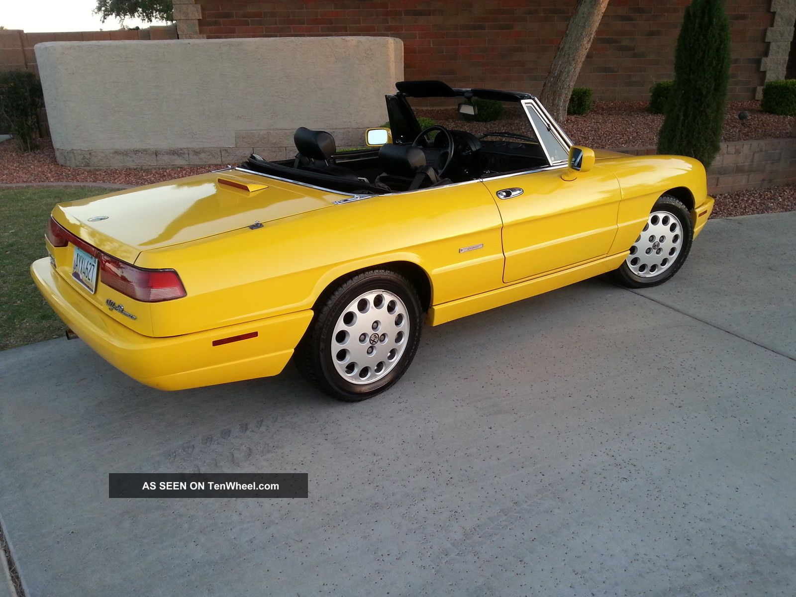 1993 alfa romeo spider veloce convertible 2 door 2 0lyellow anniversary edition. Black Bedroom Furniture Sets. Home Design Ideas