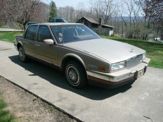 1986 Cadillac Seville photo