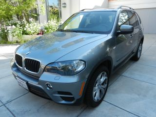 2011 Bmw X5 Xdrive35i Sport Utility 4 - Door 3.  0l Premium photo