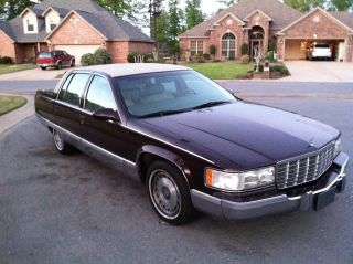 1996 Cadillac Fleetwood Brougham photo