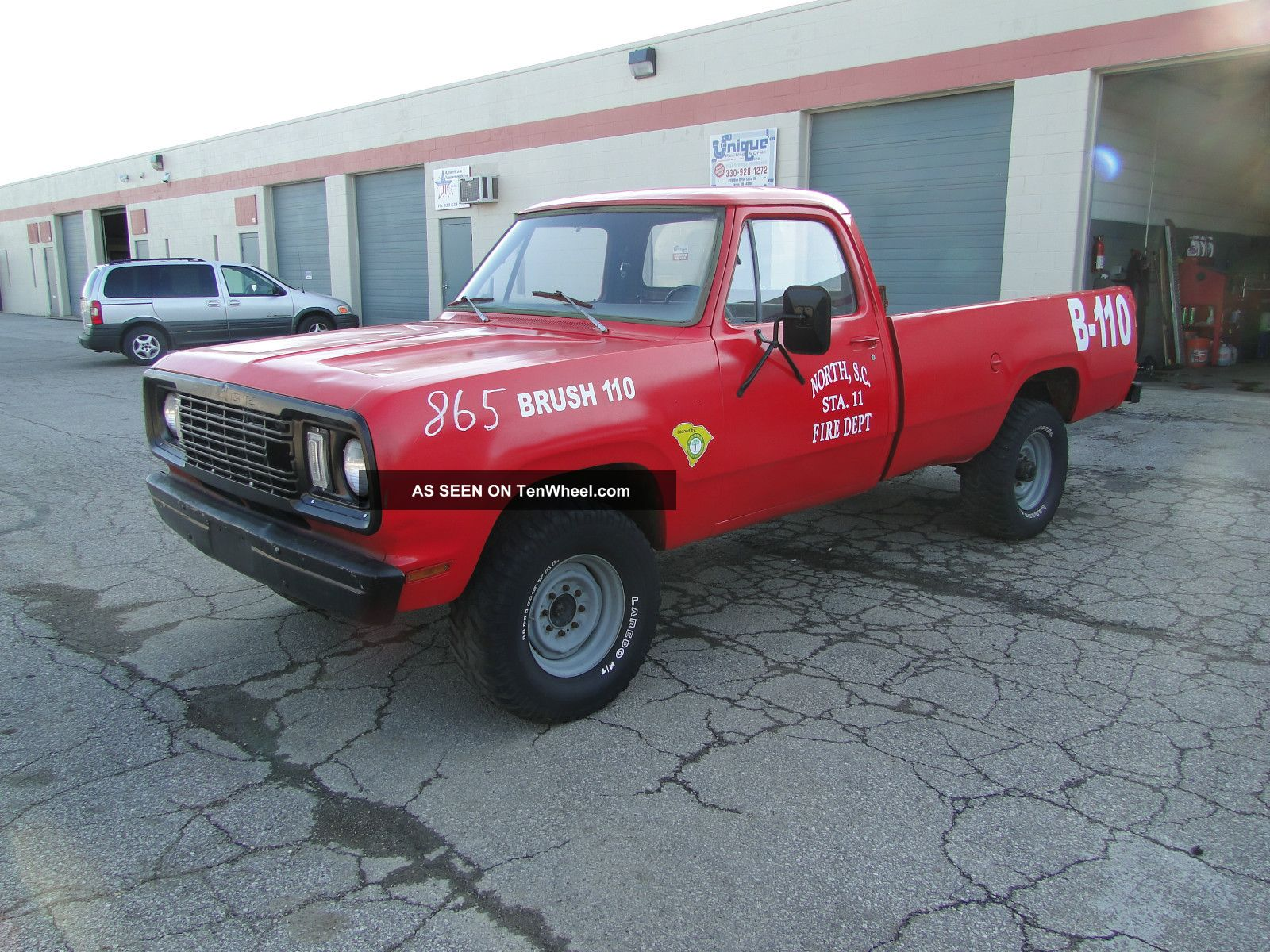 1977 Dodge Power Wagon M - 880 M880 M 880 Power Wagon photo