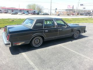 1982 Lincoln Mark Vi Base Sedan 4 - Door 5.  0l photo