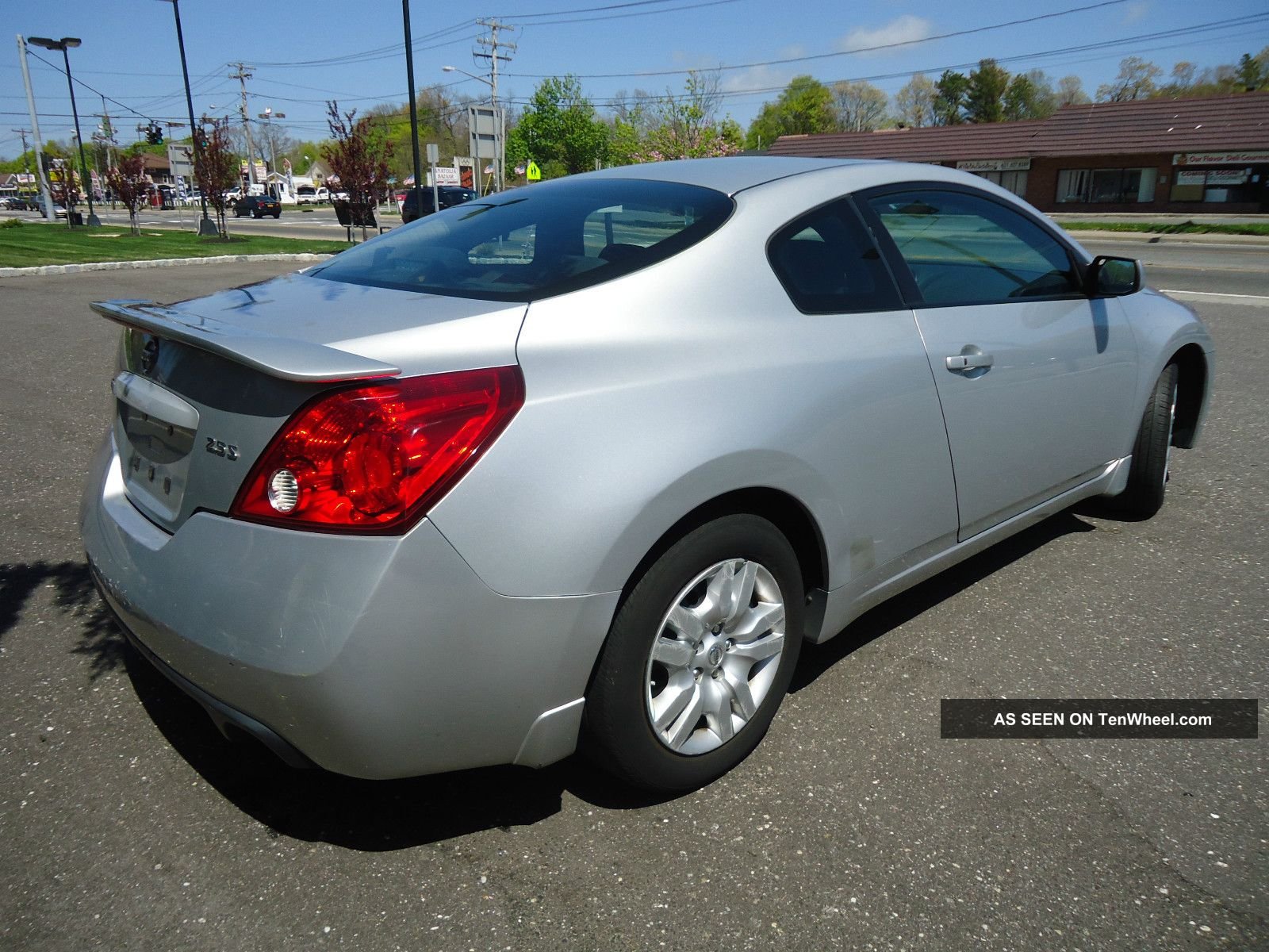 2009 nissan altima s coupe 2 door 2 5l coupe gas saver lqqk. Black Bedroom Furniture Sets. Home Design Ideas