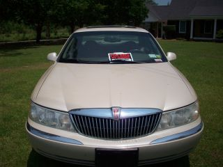 2001 Lincoln Contenental photo