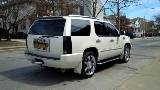 2007 Cadillac Escalade Base Sport Utility 4 - Door 6.  2l photo