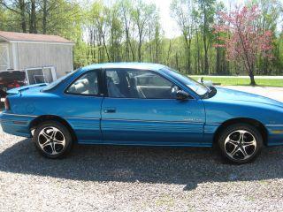 1995 Pontiac Grand Am Se Coupe 2 - Door 3.  1l photo