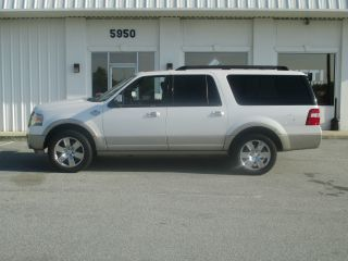 2010 Ford Expedition El King Ranch Sport Utility 4 - Door 5.  4l photo