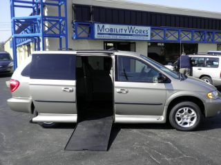 2003 Dodge Grand Caravan Vmi Northstar Wheelchair Van photo