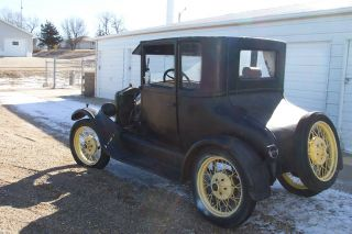 1926 Ford Model T Coupe W / Wire Wheels photo