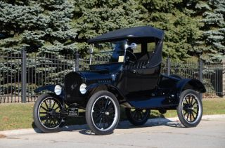 1923 Ford Model T Roadster - photo