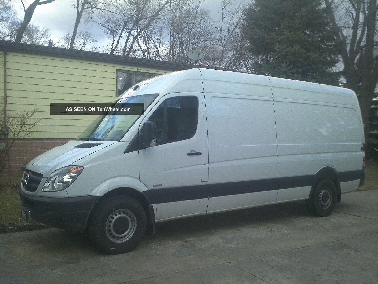 2012 mercedes benz sprinter 2500 base standard cargo van for Mercedes benz sprinter cargo